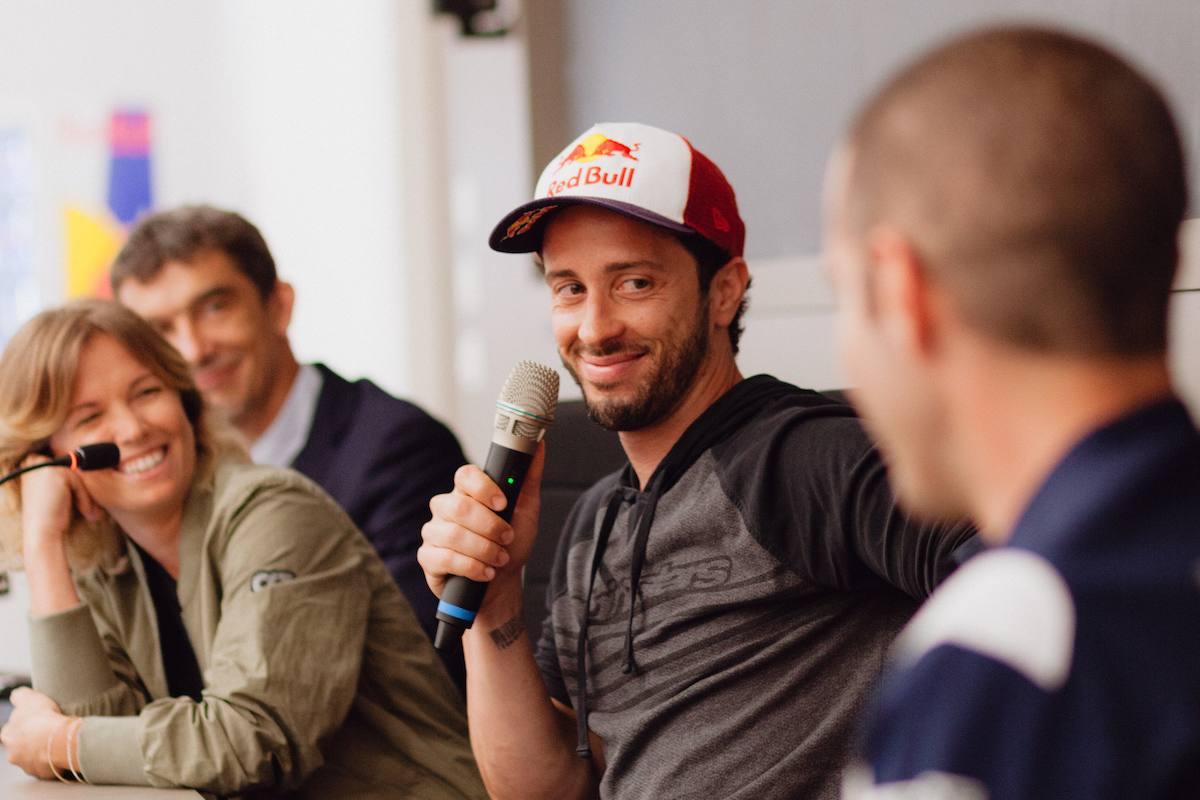 Andrea Dovizioso durante la lezione all'università di Bologna