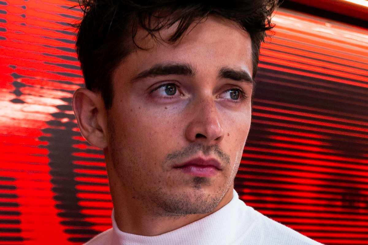 Charles Leclerc nei box al Gran Premio di Francia di F1 2021 al Paul Ricard
