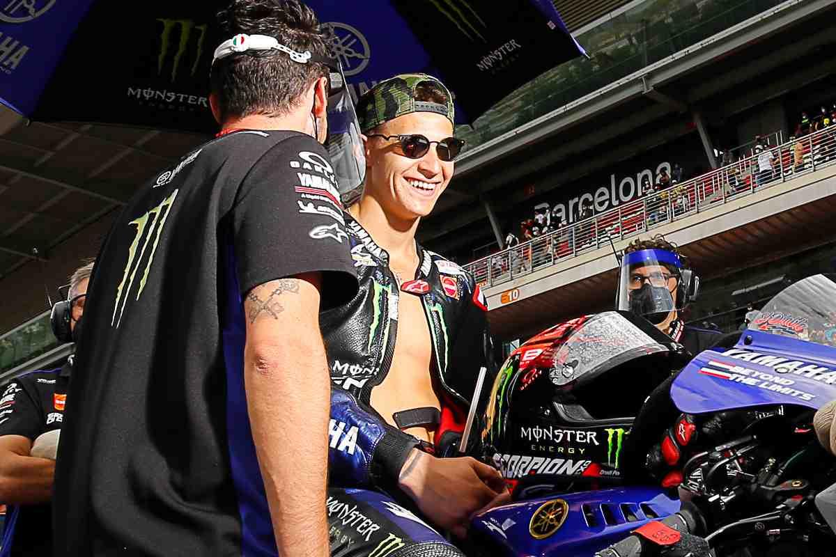 Fabio Quartararo sulla griglia di partenza del Gran Premio di Catalogna di MotoGP 2021 a Barcellona