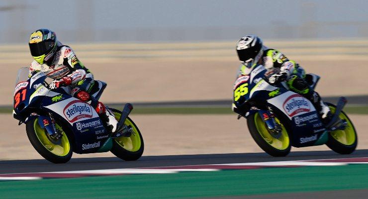 Romano Fenati e Adrian Fernandez sulle due moto del Max Racing Team in Moto3