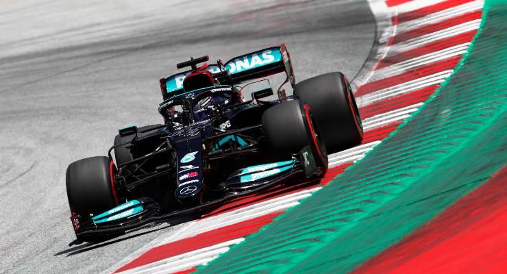 Lewis Hamilton in pista al Gran Premio di Stiria di F1 2021 al Red Bull Ring