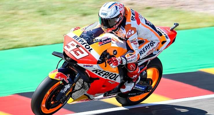 Marc Marquez in pista sulla Honda nelle prove libere del Gran Premio di Germania di MotoGP 2021 al Sachsenring