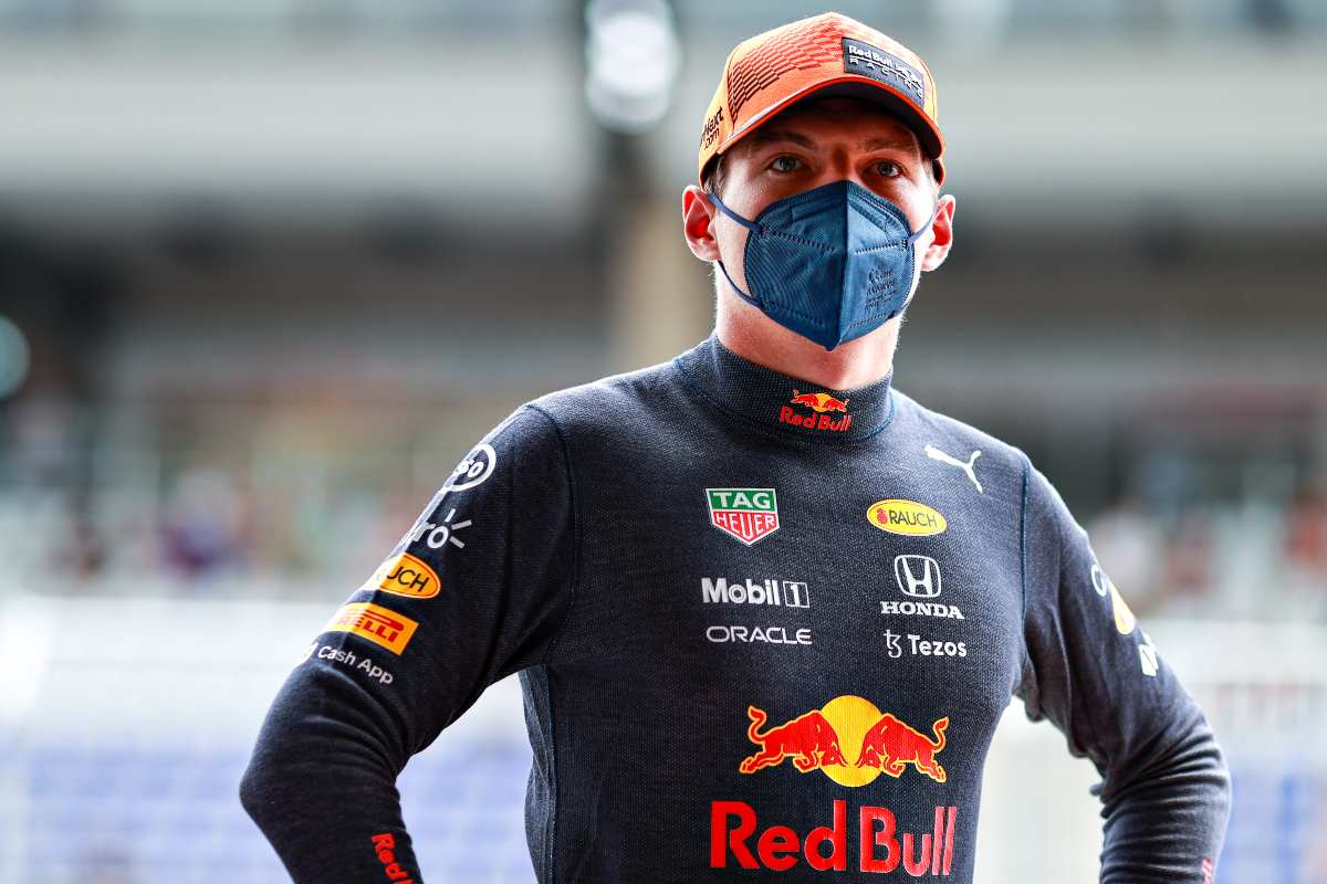 Max Verstappen nella corsia dei box al Gran Premio di Stiria di F1 2021 al Red Bull Ring