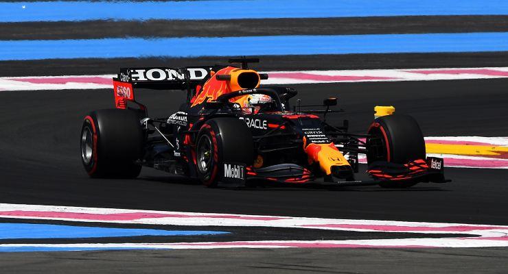 Max Verstappen in pista nelle prove libere del Gran Premio di Francia di F1 2021 al Paul Ricard