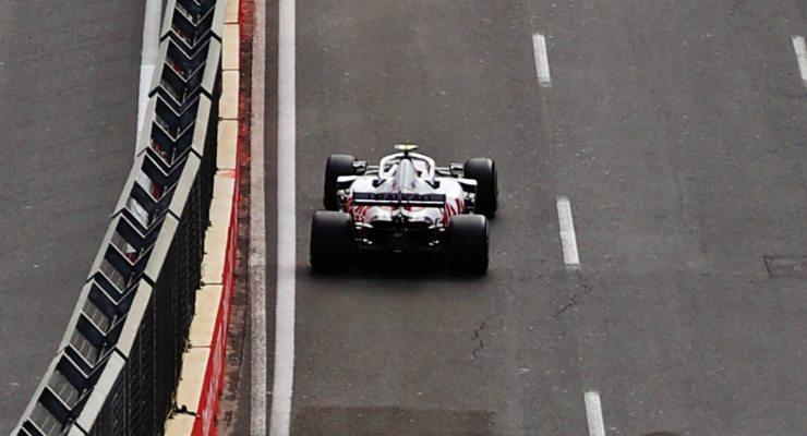 Mick Schumacher in pista sulla Haas nel Gran Premio dell'Azerbaigian di F1 2021 a Baku
