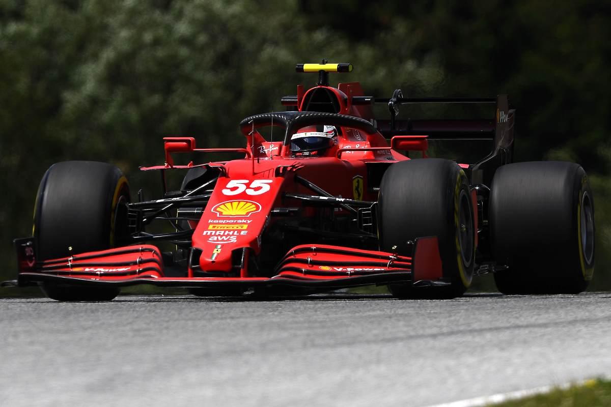 Carlos Sainz in pista nelle prove libere del Gran Premio di Stiria di F1 2021 al Red Bull Ring