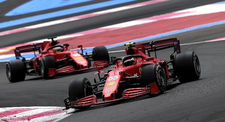 Carlos Sainz e Charles Leclerc in pista nel Gran Premio di Francia di F1 2021 al Paul Ricard