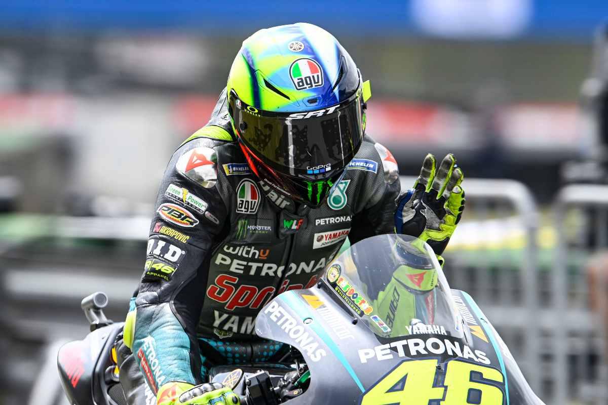 Valentino Rossi sulla Yamaha nel Gran Premio d'Olanda di MotoGP 2021 ad Assen