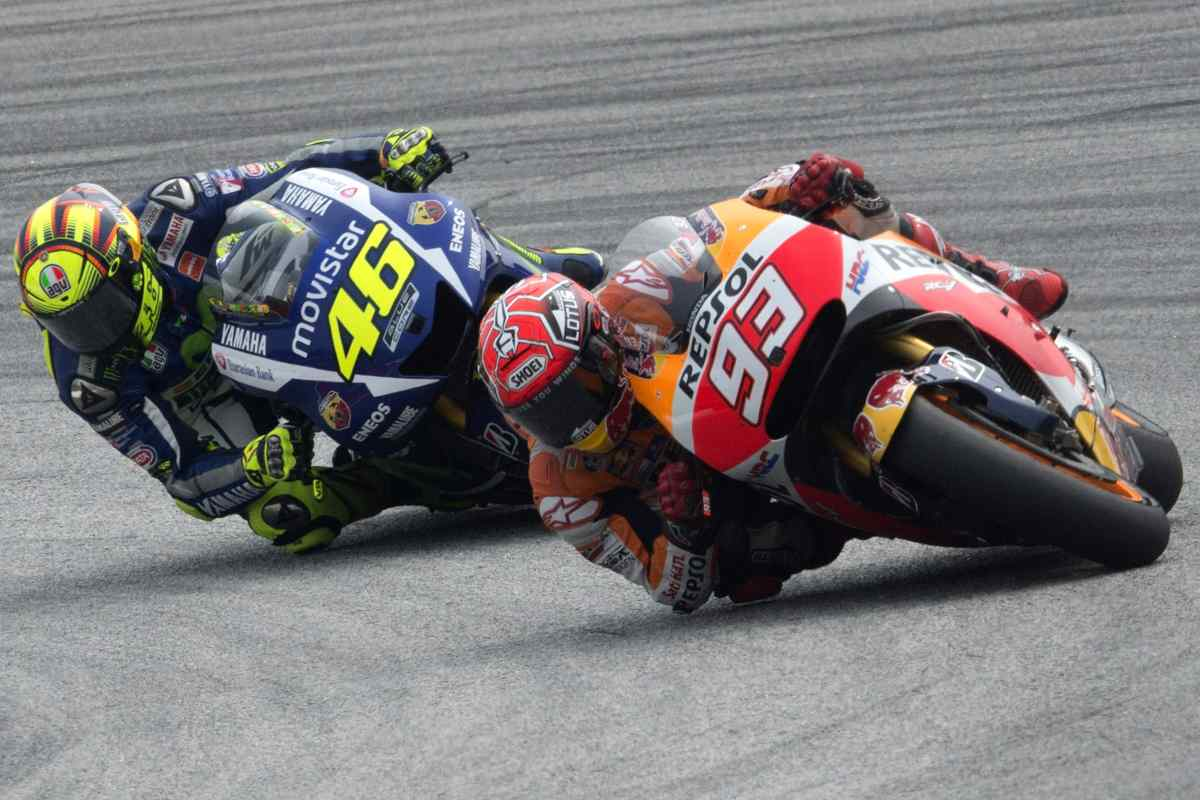Il duello tra Valentino Rossi e Marc Marquez al Gran Premio di Malesia di MotoGP 2015 a Sepang