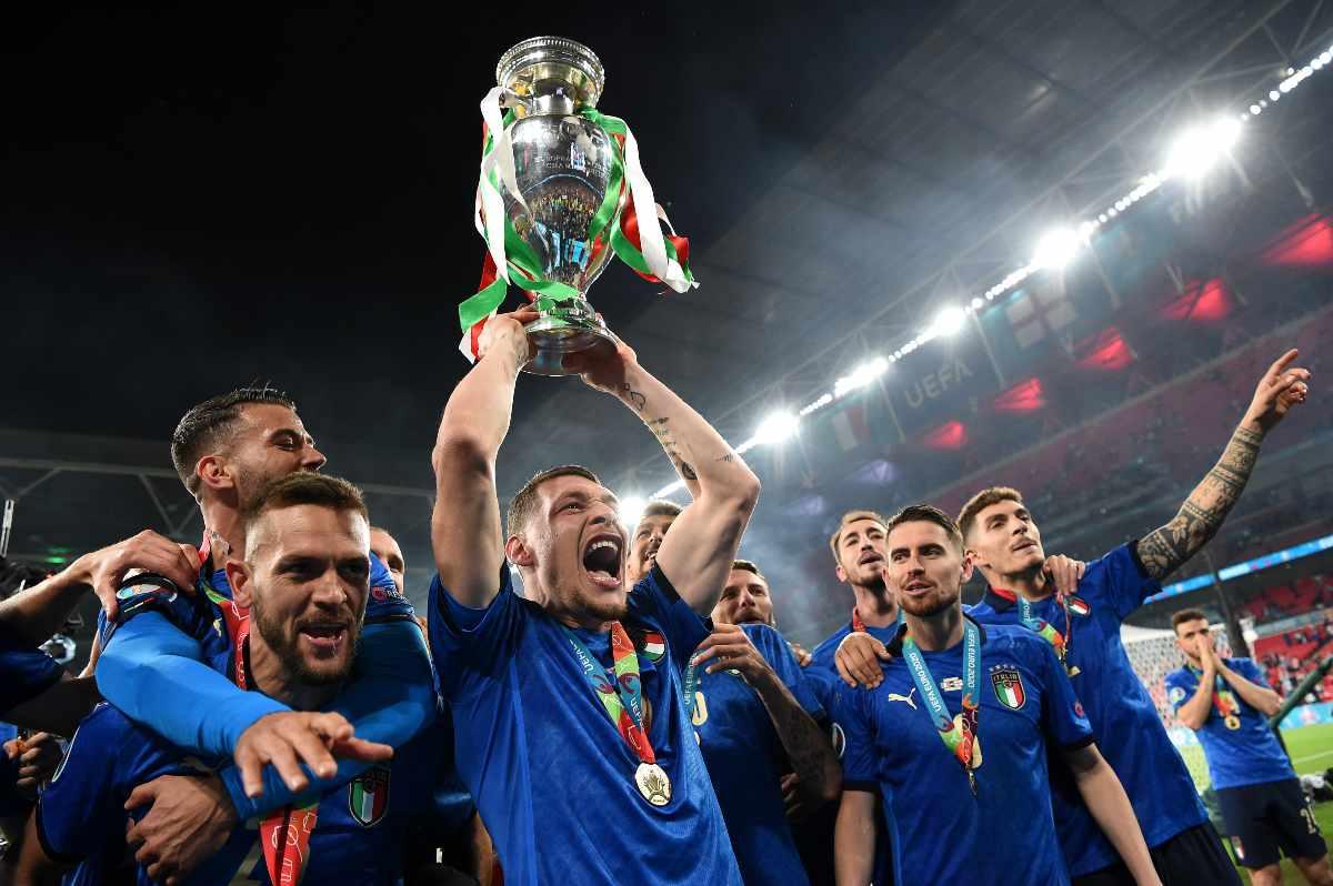 La nazionale italiana festeggia la vittoria dei campionati europei di calcio
