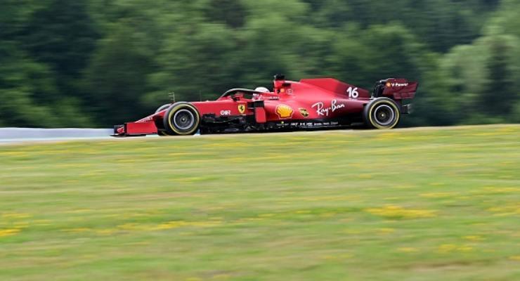 La Ferrari di Charles Leclerc in pista