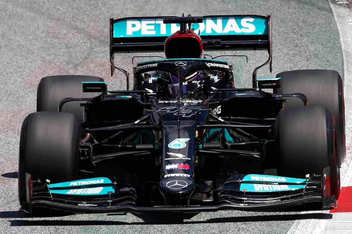 Lewis Hamilton in pista al Gran Premio d'Austria di F1 2021 al Red Bull Ring