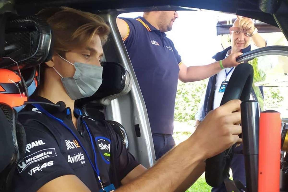 Luca Marini sulla Hyundai i20 da rally