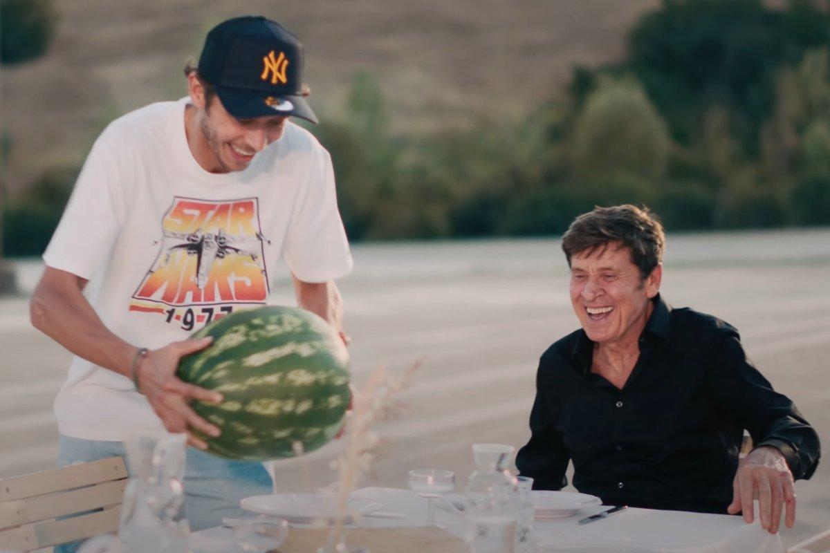 Gianni Morandi con Valentino Rossi