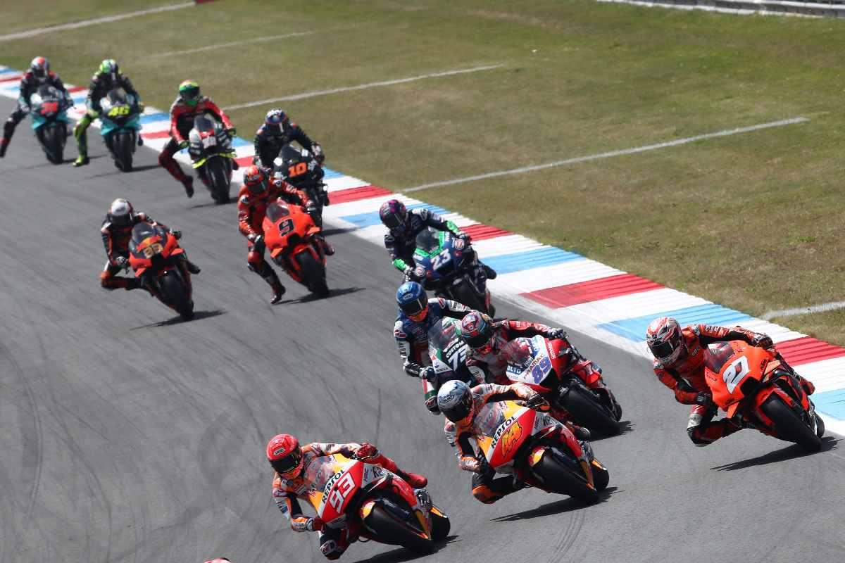 La partenza del Gran Premio d'Olanda di MotoGP 2021 ad Assen