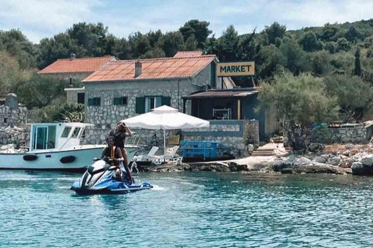 Valentino Rossi sulla moto d'acqua