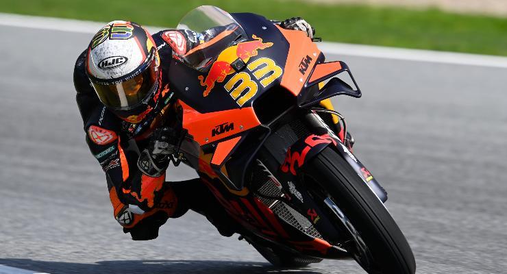 Brad Binder in pista sulla Ktm al Gran Premio d'Austria di MotoGP 2021 al Red Bull Ring