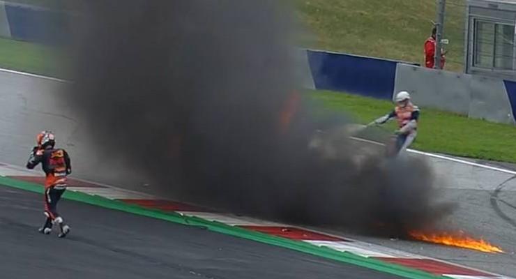 La caduta di Dani Pedrosa al Gran Premio di Stiria di MotoGP 2021 al Red Bull Ring (Foto Twitter/Sky Sport MotoGP)
