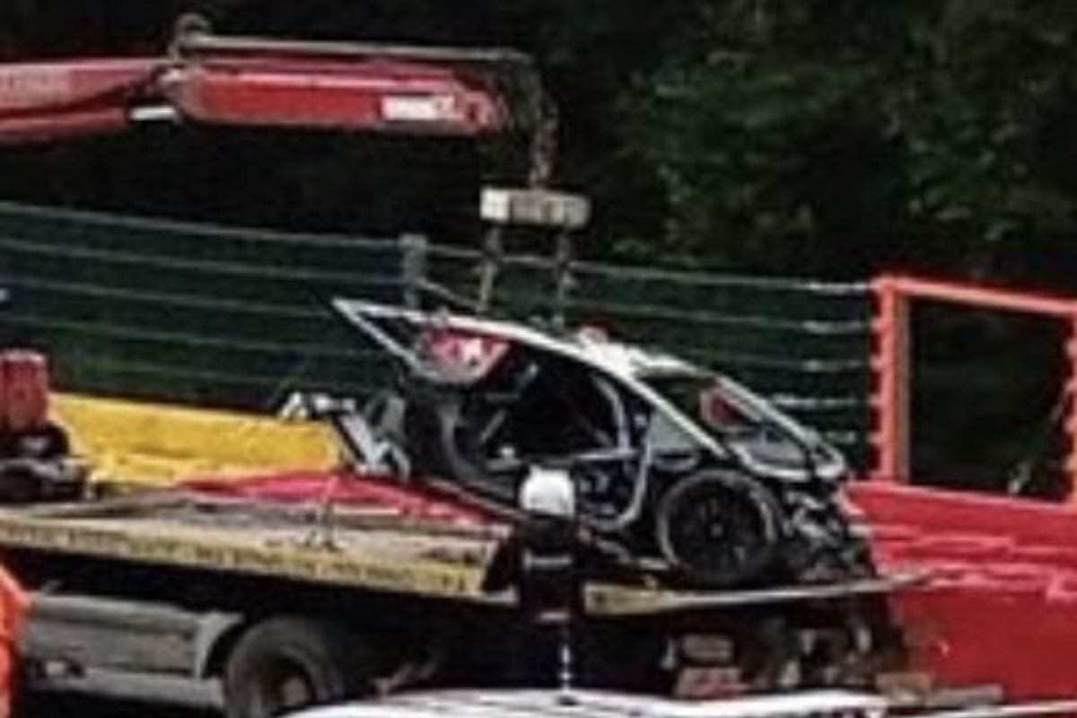 I rottami dopo l'incidente alla 24 Ore di Spa-Francorchamps