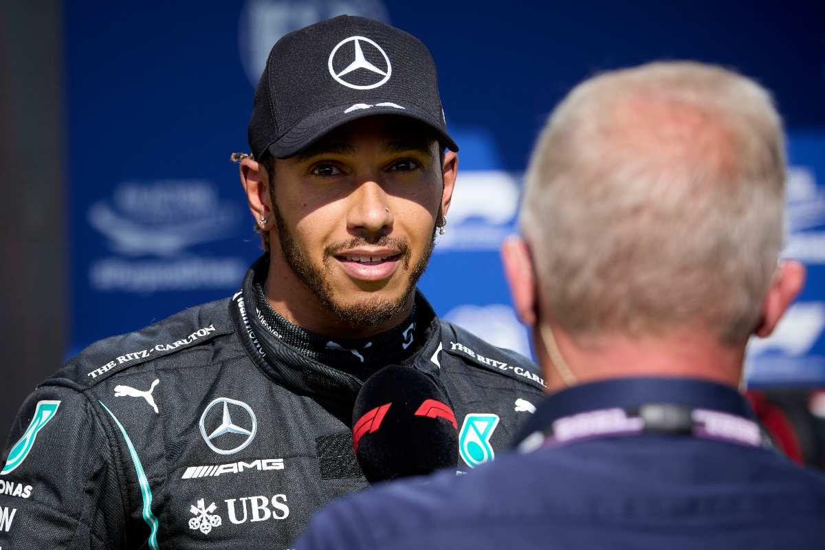 Lewis Hamilton dopo la pole position nel Gran Premio d'Ungheria di F1 2021 a Budapest