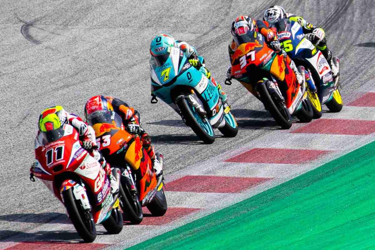 Una fase di gara del Gran Premio d'Austria di Moto3 2021 al Red Bull Ring