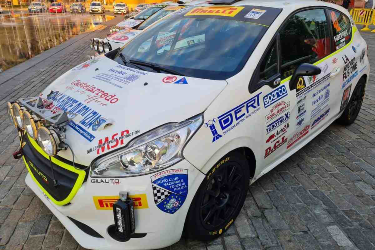 La Peugeot 208 coinvolta nell'incidente al Rally dell'Appennino reggiano