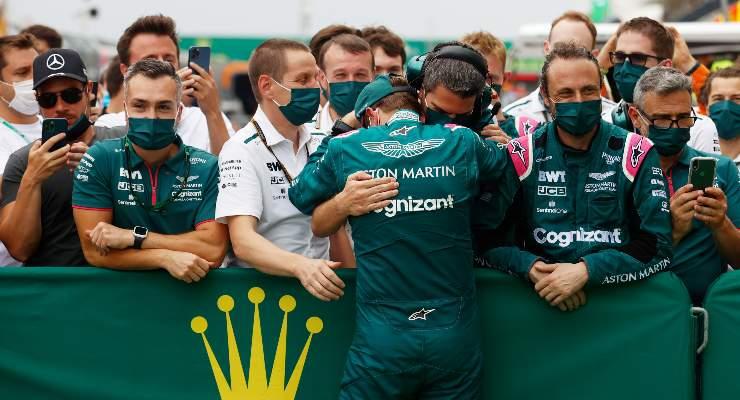 Sebastian Vettel festeggia con la Aston Martin il podio del Gran Premio d'Ungheria di F1 2021 a Budapest (Foto Florion Goga - Pool/Getty Images)