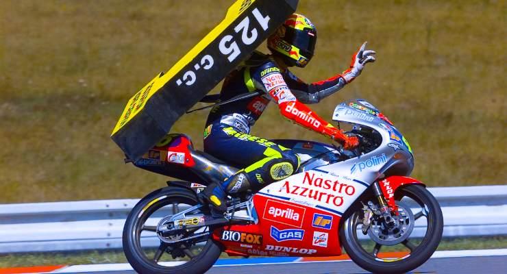 Il primo campionato del mondo vinto da Valentino Rossi nel Motomondiale, in classe 125