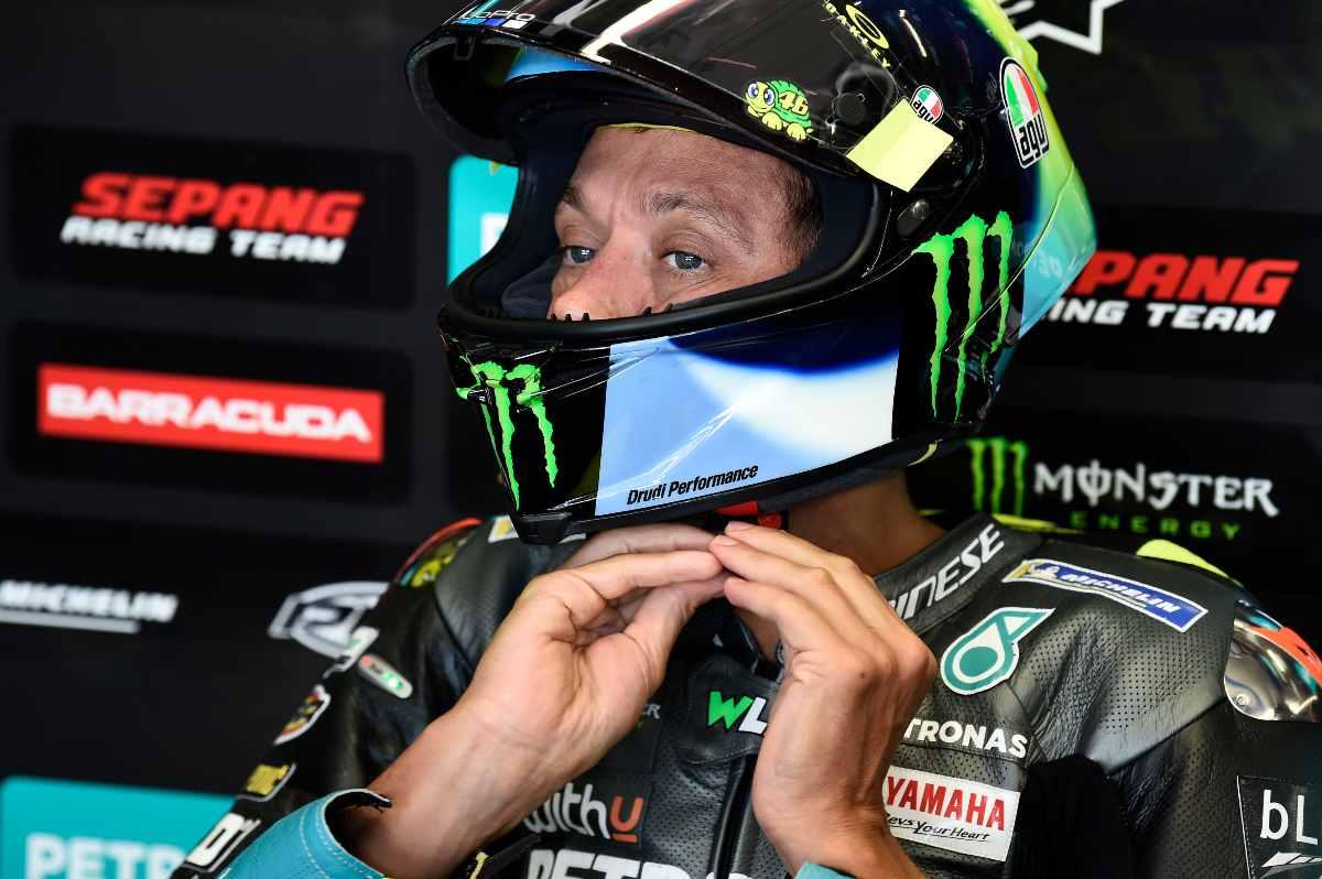 Valentino Rossi ai box nelle prove libere del Gran Premio d'Austria di MotoGP 2021 al Red Bull Ring