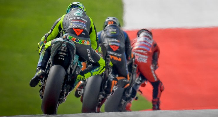 La Petronas di Valentino Rossi dietro alla VR46 Avintia di Luca Marini nel Gran Premio d'Austria di MotoGP 2021 al Red Bull Ring
