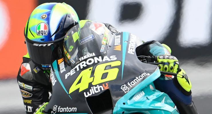 Valentino Rossi in pista sulla Yamaha