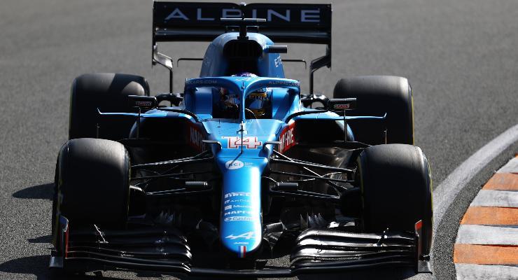 Fernando Alonso in pista sulla Alpine al Gran Premio d'Olanda di F1 2021 a Zandvoort