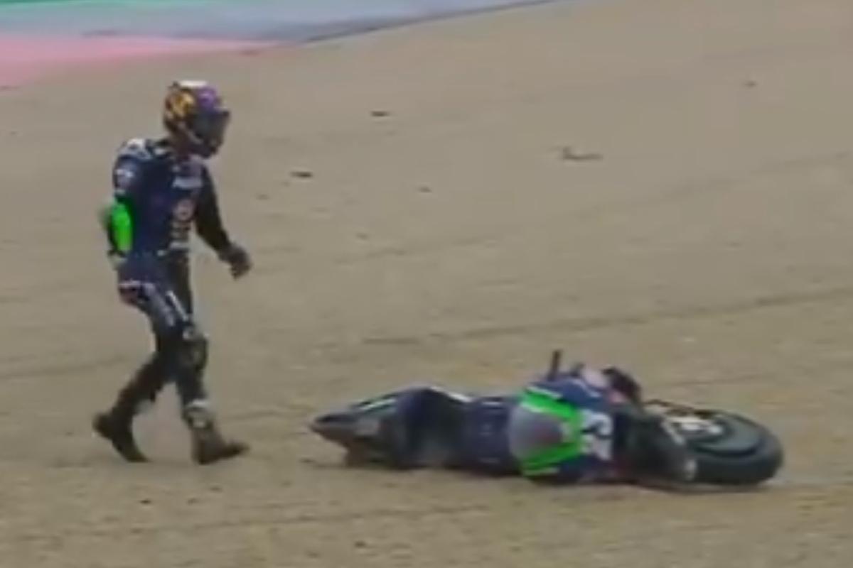 La caduta di Enea Bastianini nelle prove libere del Gran Premio di San Marino di MotoGP 2021 a Misano Adriatico