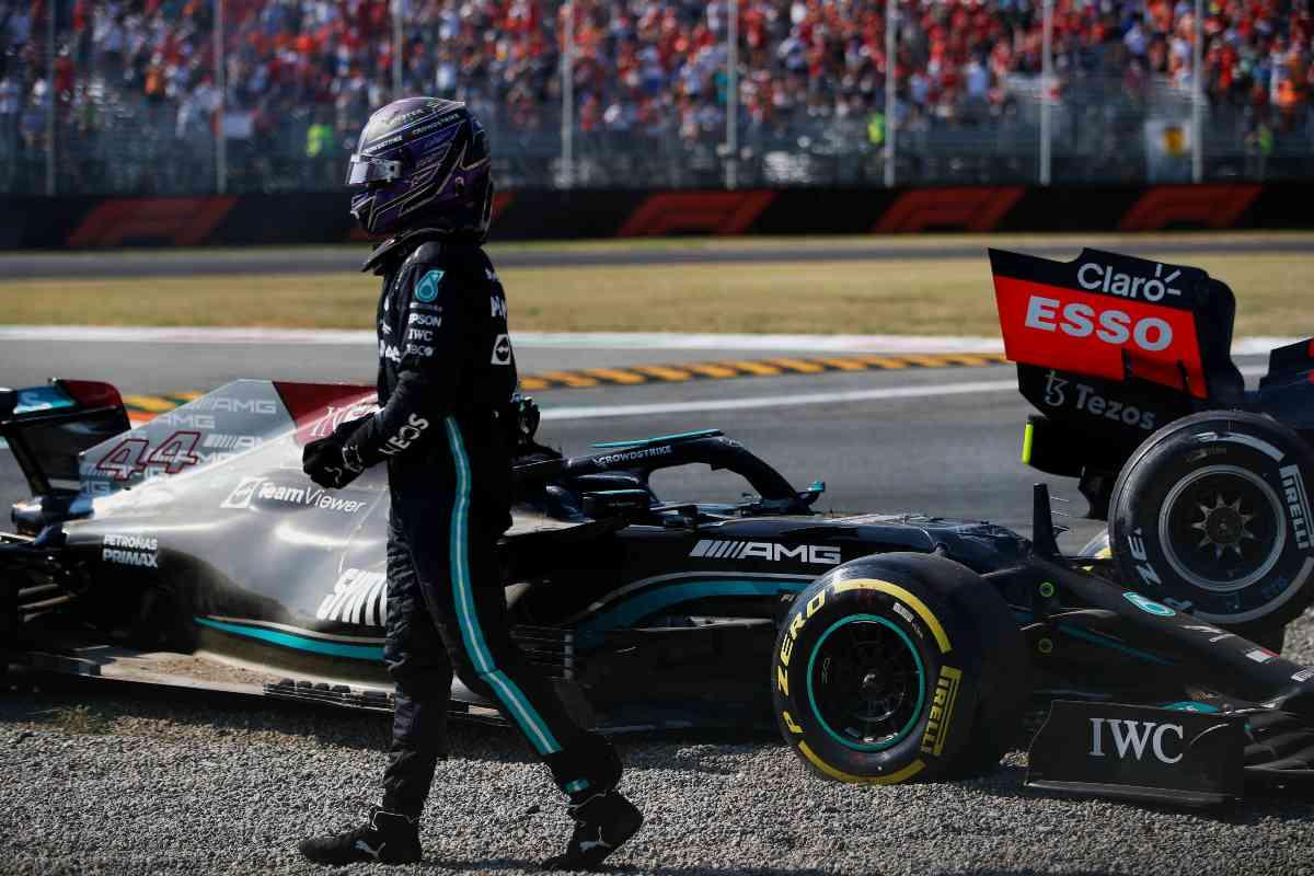 Lewis Hamilton dopo l'incidente con Max Verstappen al Gran Premio d'Italia di F1 2021 a Monza