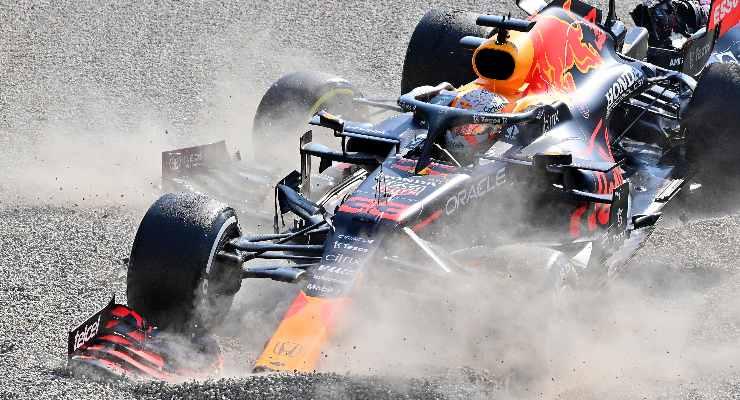L'incidente tra Lewis Hamilton e Max Verstappen al Gran Premio d'Italia di F1 2021 a Monza (Foto Peter Van Egmond/Getty Images)