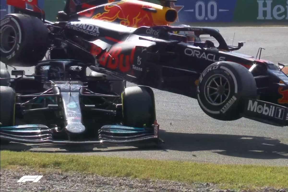 L'incidente tra Lewis Hamilton e Max Verstappen al Gran Premio d'Italia di F1 2021 a Monza (Foto Twitter/F1)