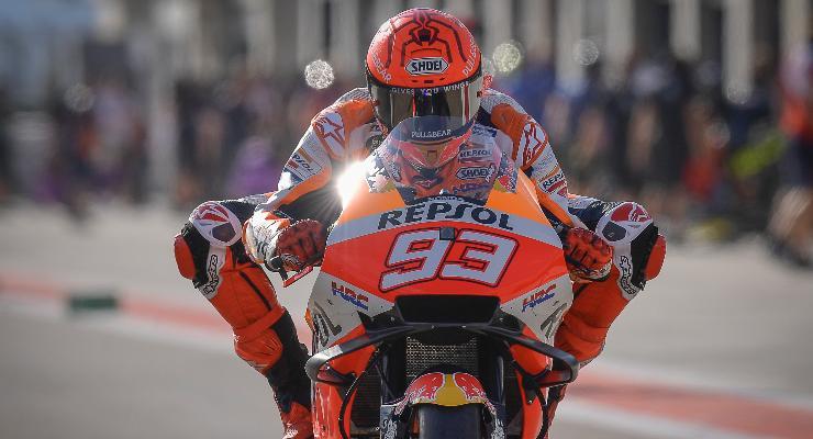 Marc Marquez in pista sulla Honda al Gran Premio di Aragon di MotoGP 2021 ad Alcaniz