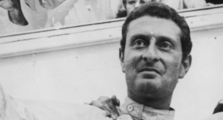 Nino Vaccarella dopo la sua vittoria alla 24 Ore dI Le Mans nel 1964