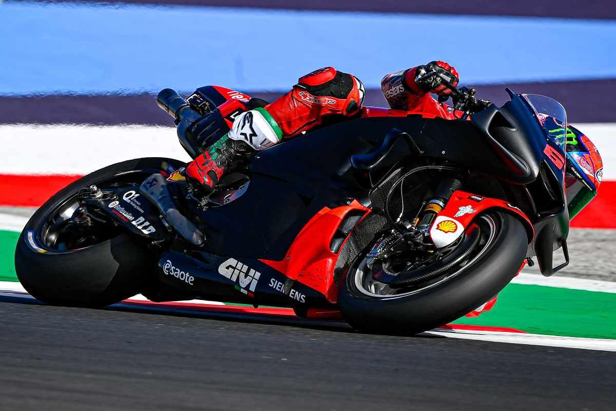 Pecco Bagnaia in pista sulla Ducati nei test MotoGP di Misano Adriatico