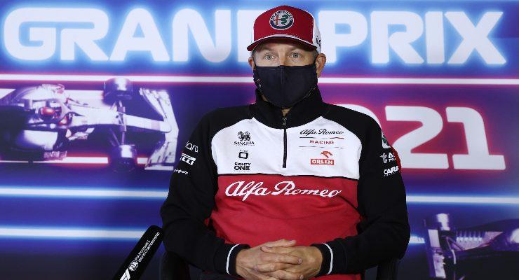 Kimi Raikkonen nella conferenza stampa alla vigilia del Gran Premio d'Olanda di F1 2021 a Zandvoort (Foto Kenzo Tribouillard - Pool/Getty Images)