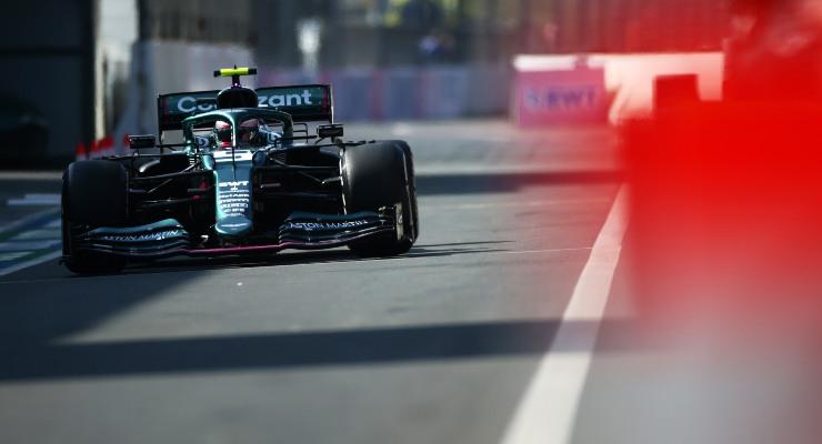 Sebastian Vettel in pista sulla sua Aston Martin nelle prove libere del Gran Premio d'Olanda di F1 2021 a Zandvoort