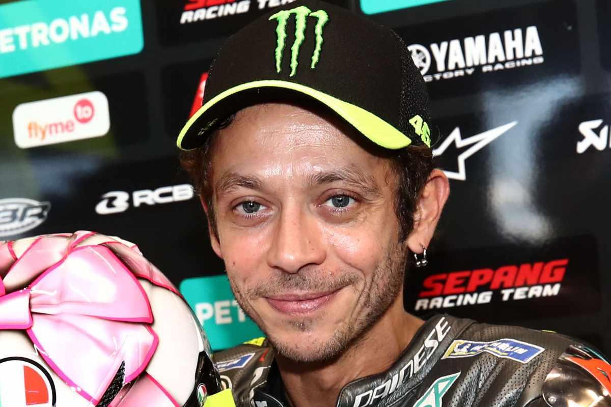 Valentino Rossi ai box nel Gran Premio di San Marino di MotoGP 2021 a Misano Adriatico