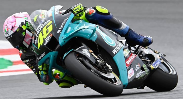 Valentino Rossi in pista sulla Yamaha a Misano Adriatico