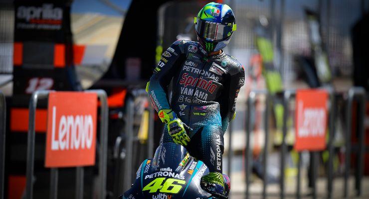 Valentino Rossi sulla Yamaha Petronas nel Gran Premio di Aragon di MotoGP 2021 ad Alcaniz