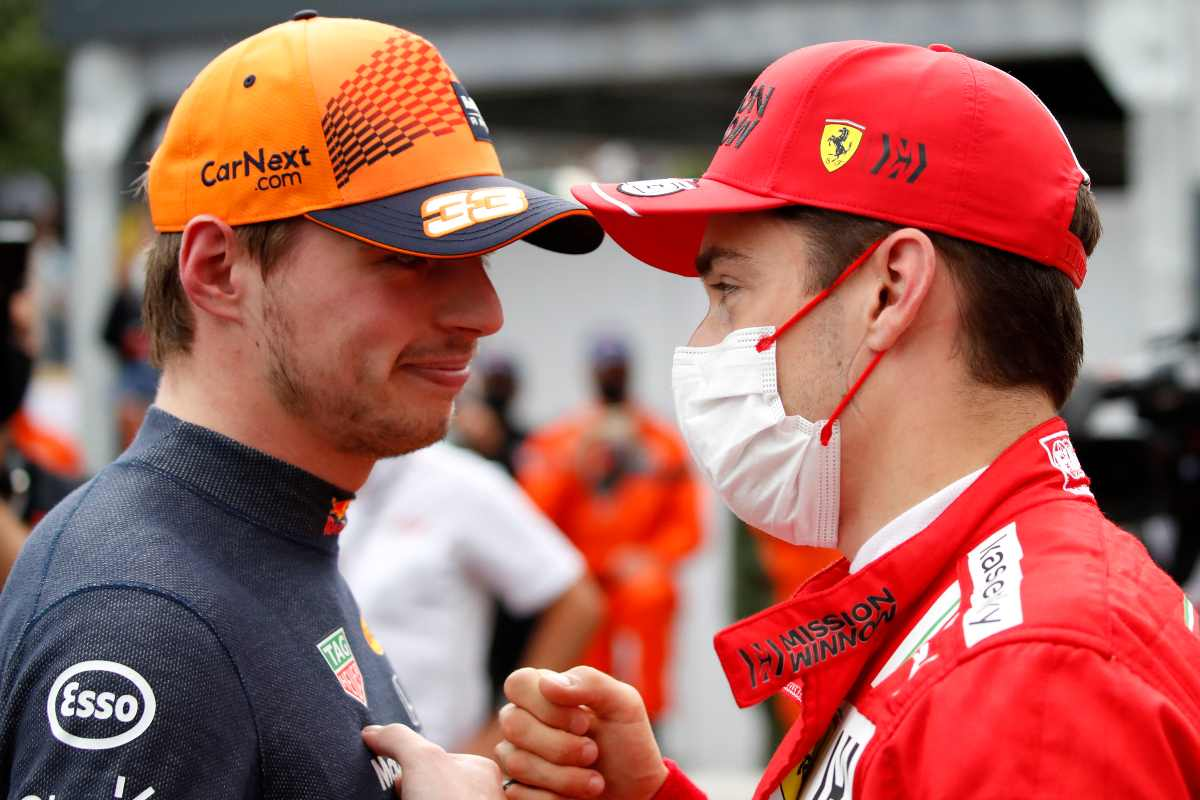 Max Verstappen e Charles Leclerc