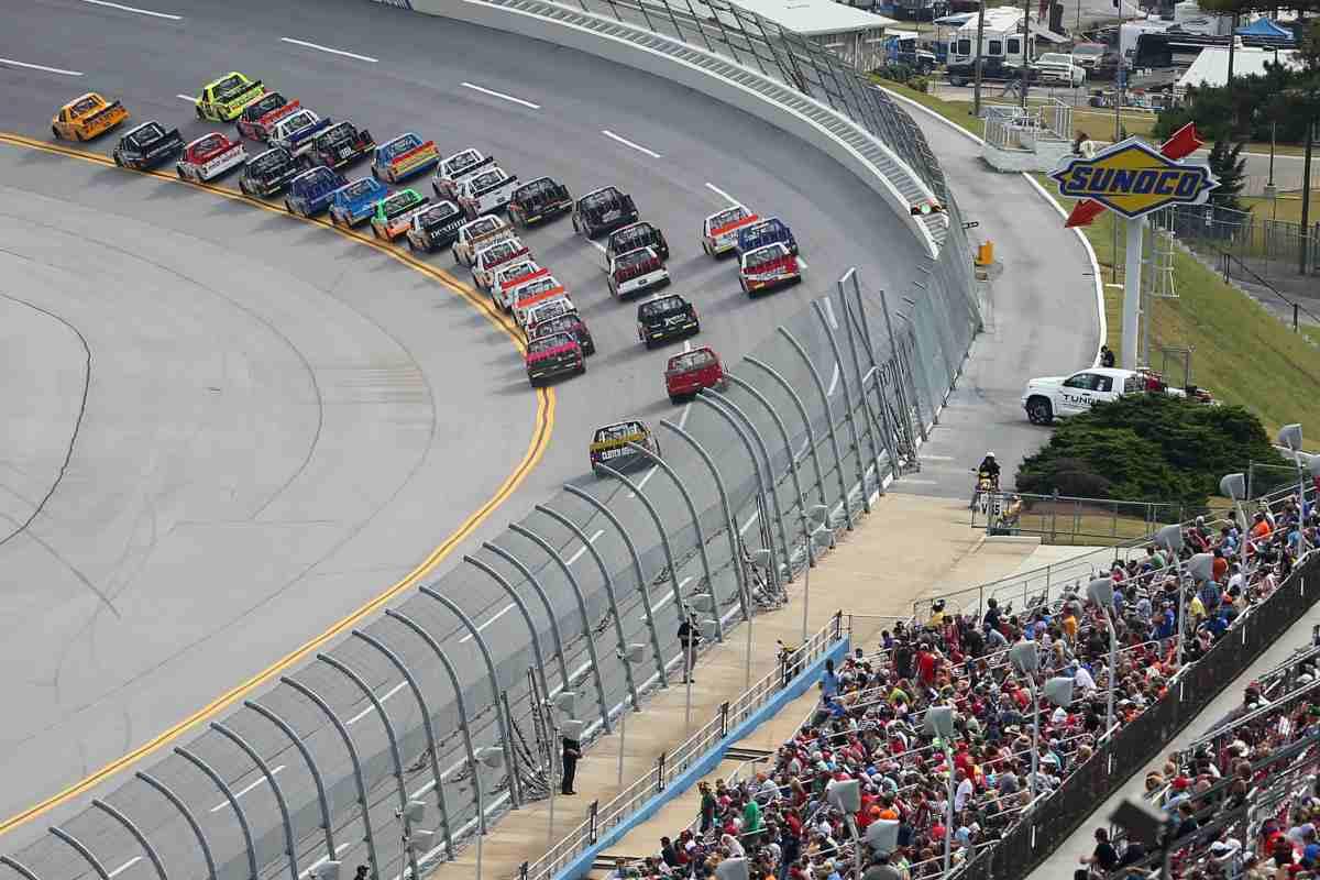 Una gara del campionato di Nascar Truck Series