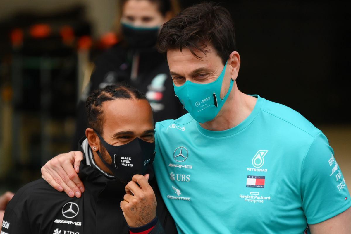 Toto Wolff e Lewis Hamilton, team principal e pilota della Mercedes